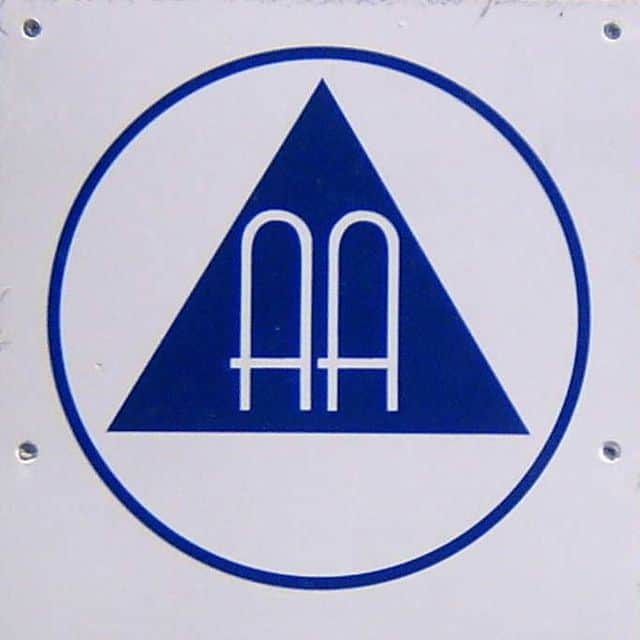 640px Figure alcoholicsanonymous ingolstadt cropped aa 12 concepts